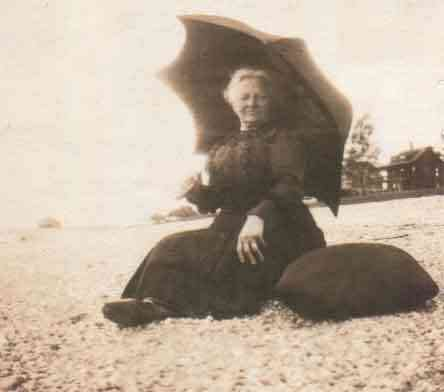 Louisa Ellen Feige - Louisa Feige Gimlich at the beach