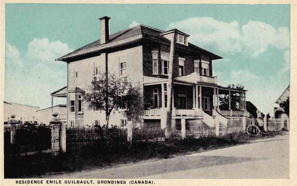 Grondines, Québec, Canada (Saint-Charles-des-Grondines) - Residence Emile Guilbault