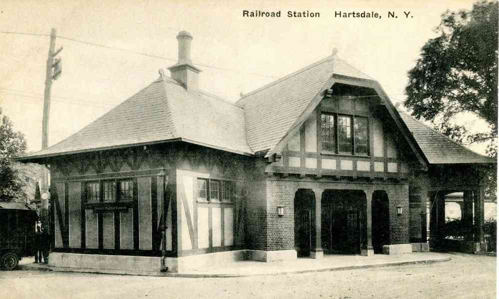 Greenburgh, New York, USA (Tarrytown) (Hartsdale) - Railroad Station, Hartsdale, New York