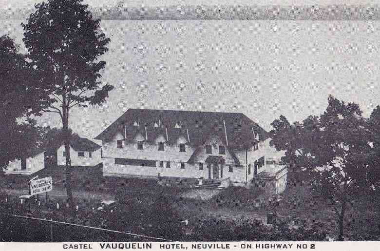 Neuville, Portneuf, Québec, Canada (Saint-François-de-Sales) - Castle Vaquelin Hotel, Neuville, On Highway No 2